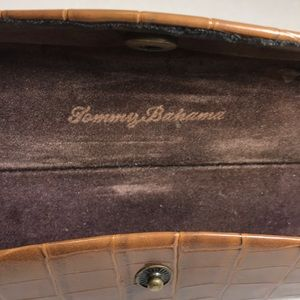 Tommy Bahama Accessories - Tommy Bahama Sunglasses Case